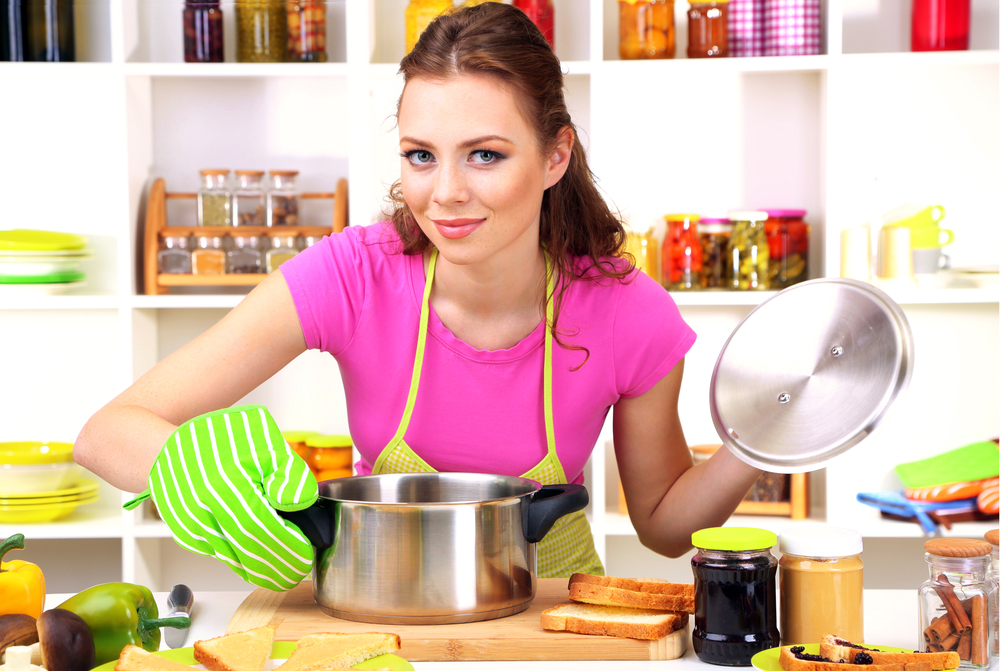 Правила безопасности с электроприборами на кухне