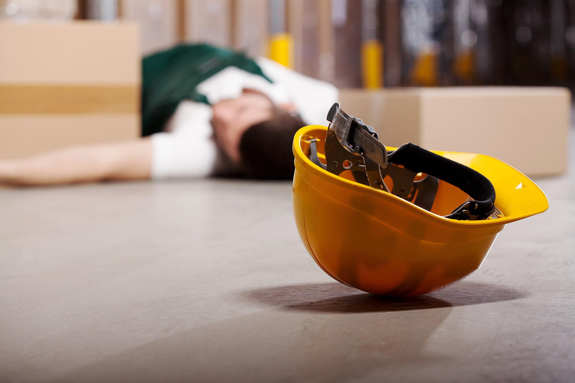 Основную и сопутствующие причины несчастного случая