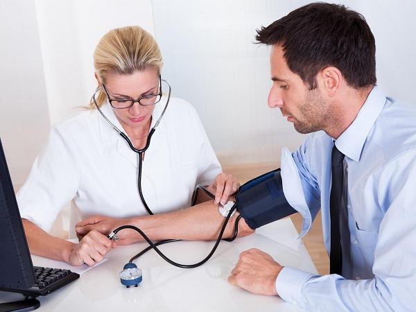 Кто устанавливает предварительный диагноз профзаболевания